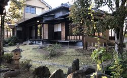 旧山崎家別邸の主庭